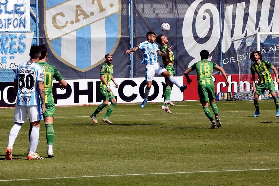 A Aldosivi se le escapó la victoria en tiempo de descuento ante Atlético Tucumán