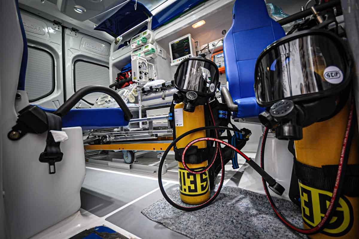 Kreplak entregó equipamiento al Materno y anunció obras en el Interzonal