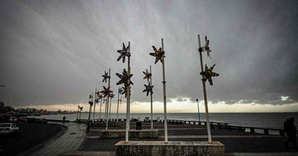 Emiten un alerta meteorológico por vientos fuertes en Mar del Plata