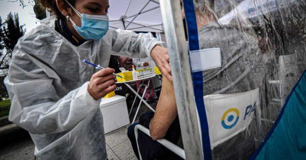 """Coronavirus: aseguran que la inmunidad de rebaño """"no está lejos"""" en Mar del Plata"""