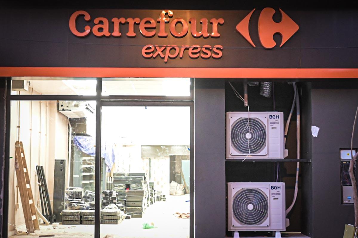 Sigue la polémica por las sucursales de Carrefour y piden informes al Municipio