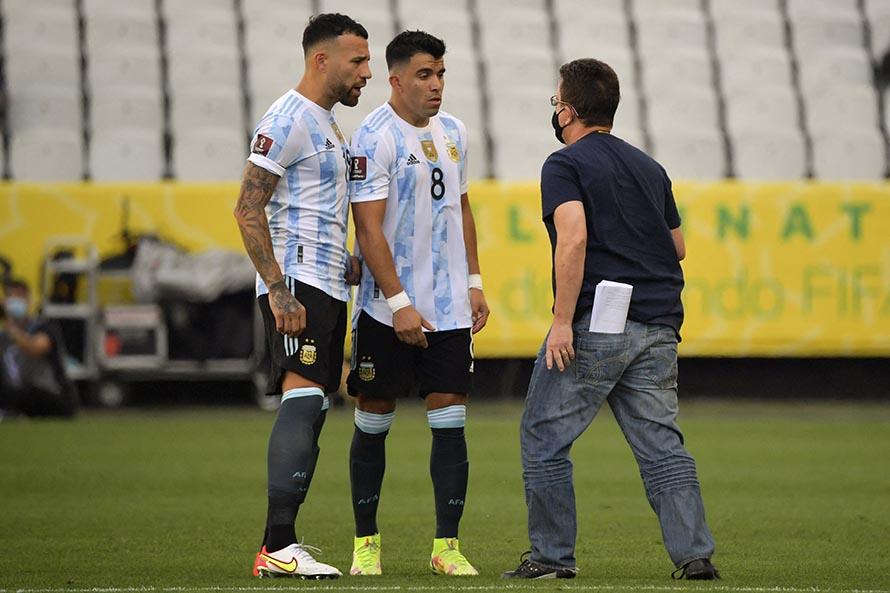 Autoridades sanitarias entraron a la cancha y se suspendió Argentina – Brasil