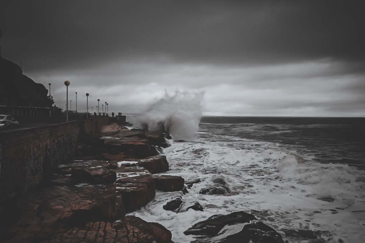Emiten un alerta a corto plazo por tormentas fuertes con ráfagas en Mar del Plata