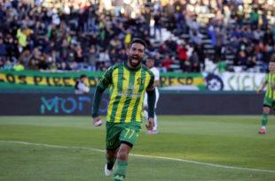 Aldosivi golpeó en el amanecer del partido, lo aguantó y venció a Independiente